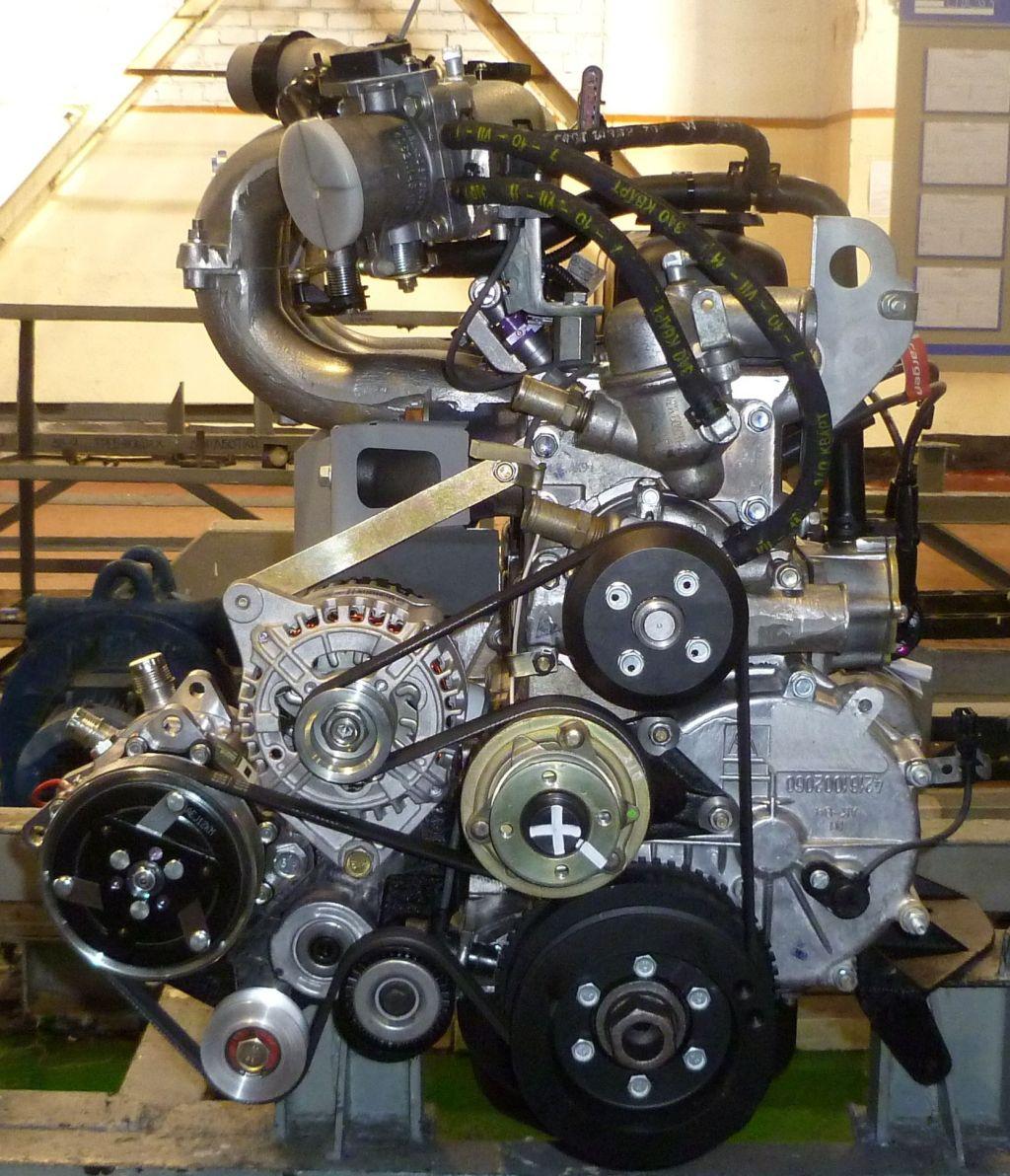 Двигатель Cummins общий вид ременной передачи