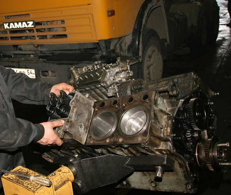 Автомобили КАМАЗ с двигателями