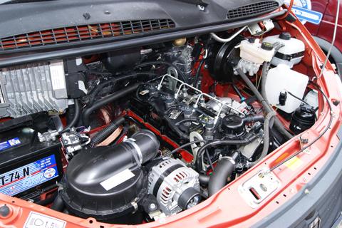Установленный двигатель Cummins ISF 2.8